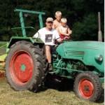 Mitfahren auf dem Traktor!